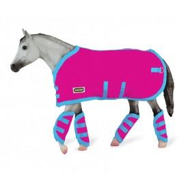 Breyer 3948 - Hot Pink Blanket & Shipping Boots (Manta Y Protectores Rosas) - Colección Traditional