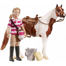Breyer 61045/591064 - Eva, Saddle Up Set (Muñeca Y Accesorios) - Colección Classics